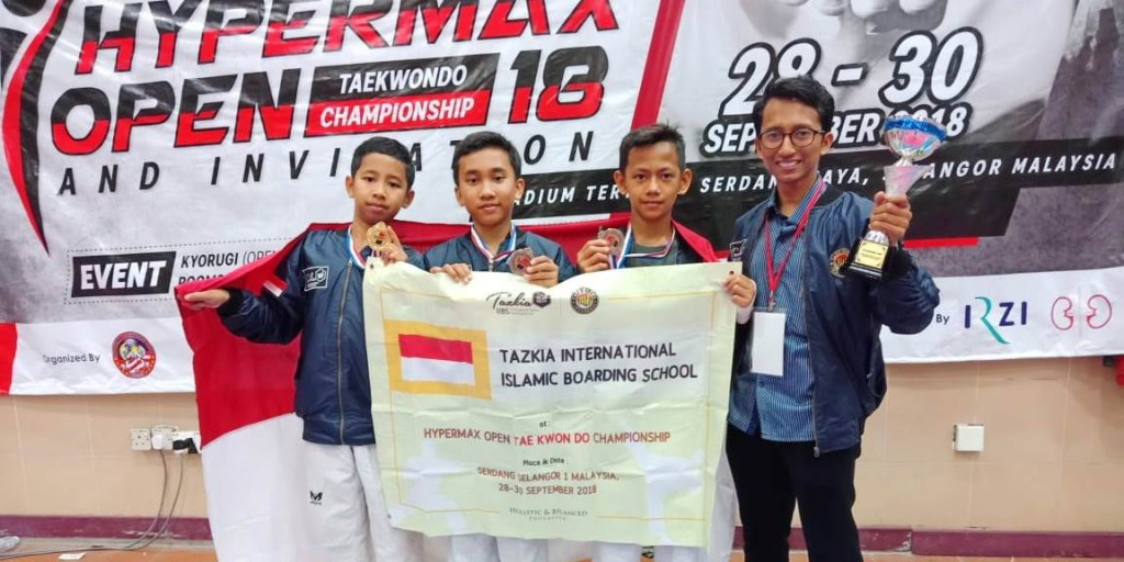 Students of Tazkia IIBS Achieved 4 Medals in Hypermax Open Taekwondo Championship