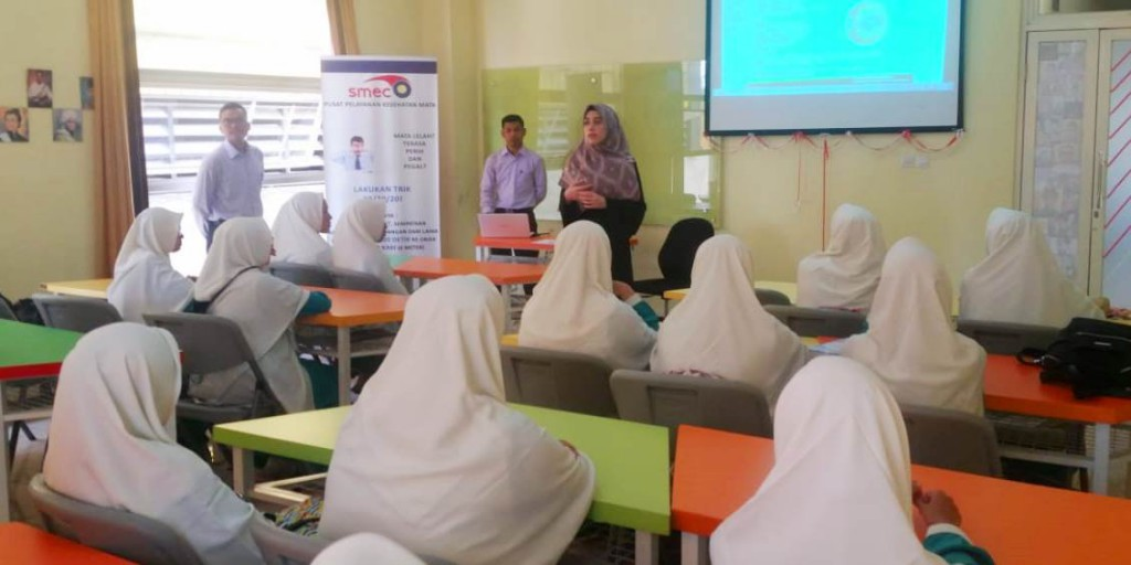 Equipping Future Doctors, Tazkia Invites a Medical Doctor From a Well-Known Hospital